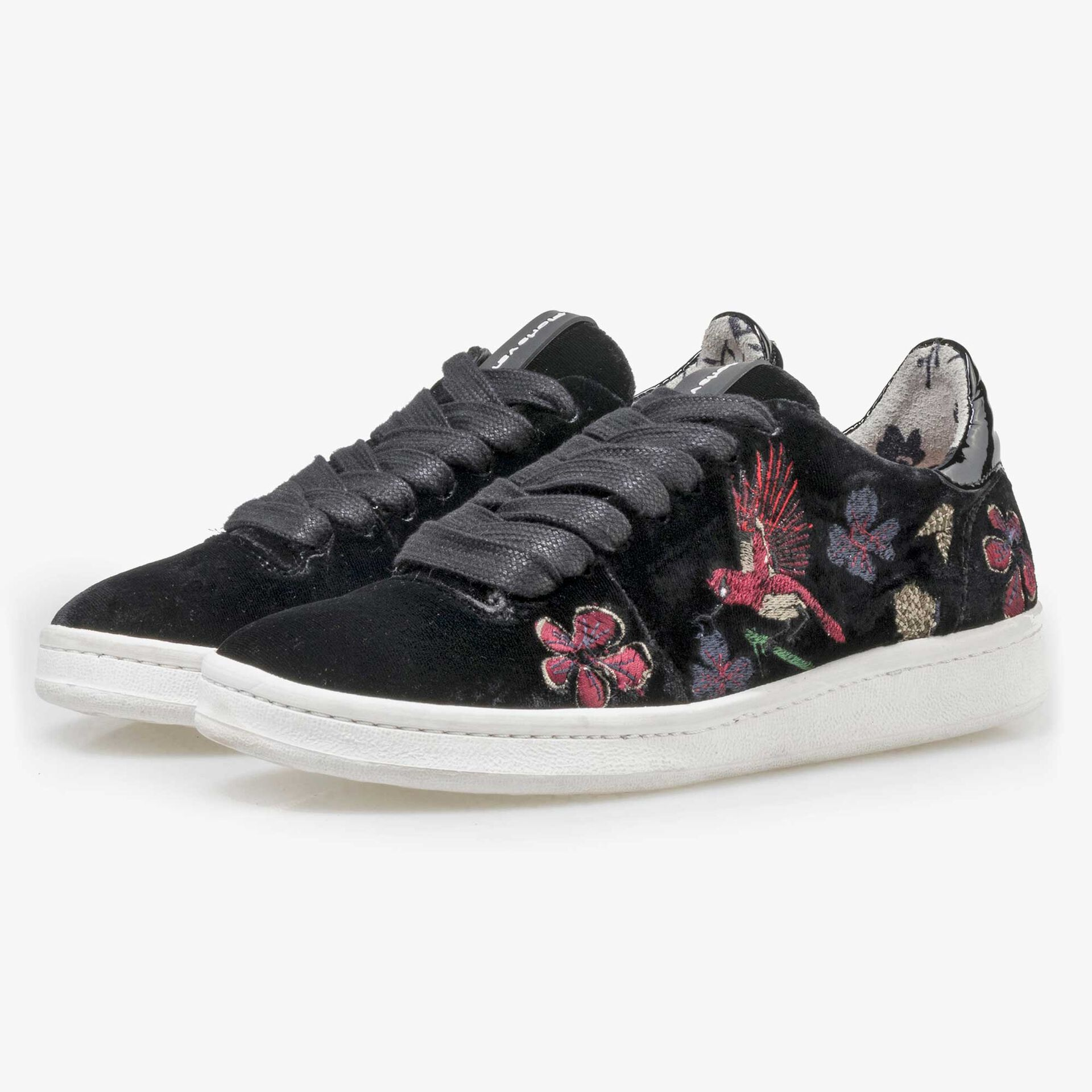 Floris van Bommel zwarte velours dames sneaker