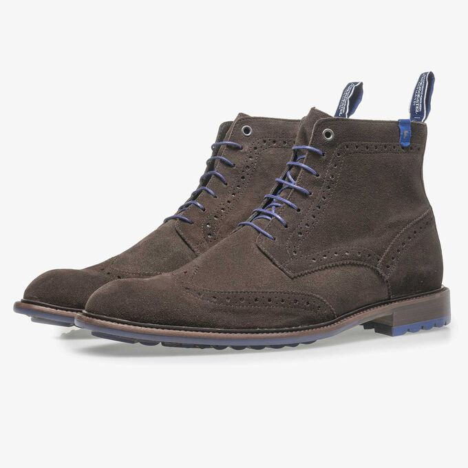 Dark brown calf suede lace boot
