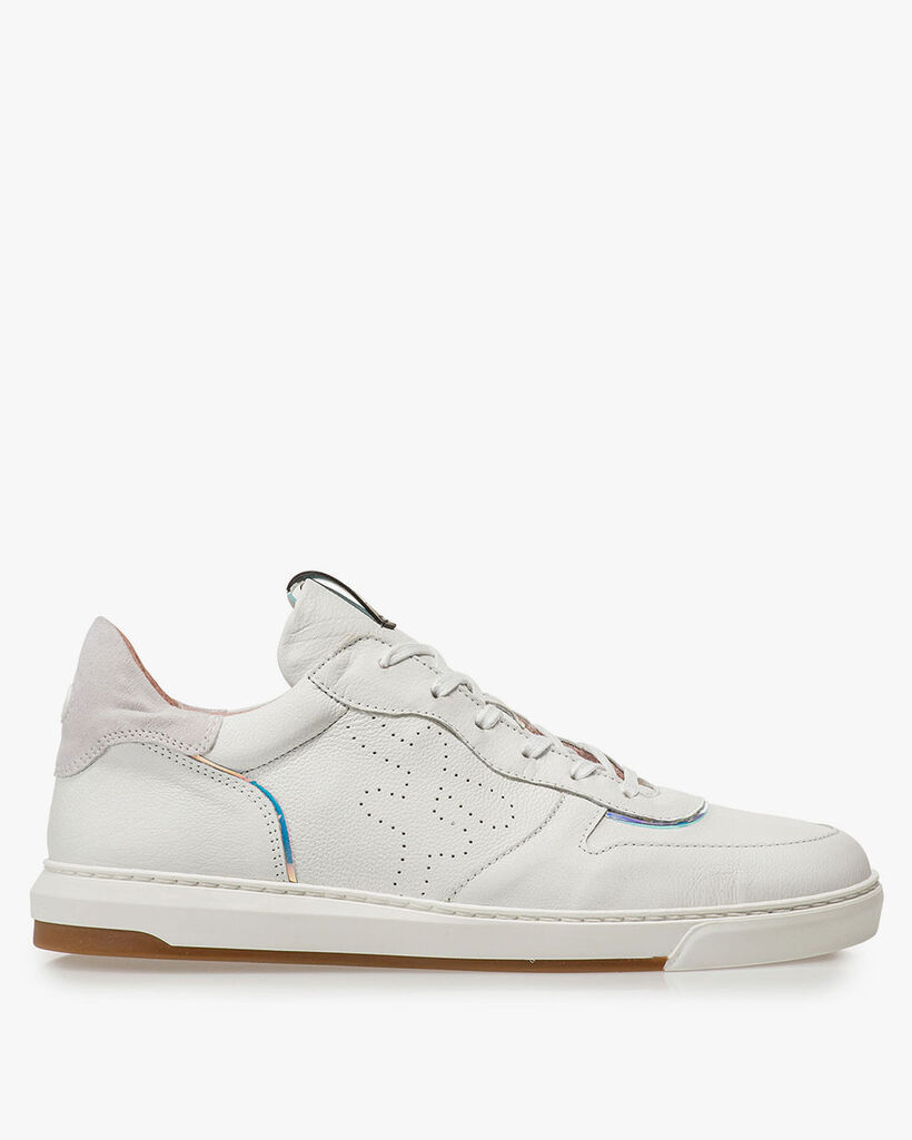 White leather sneaker with print