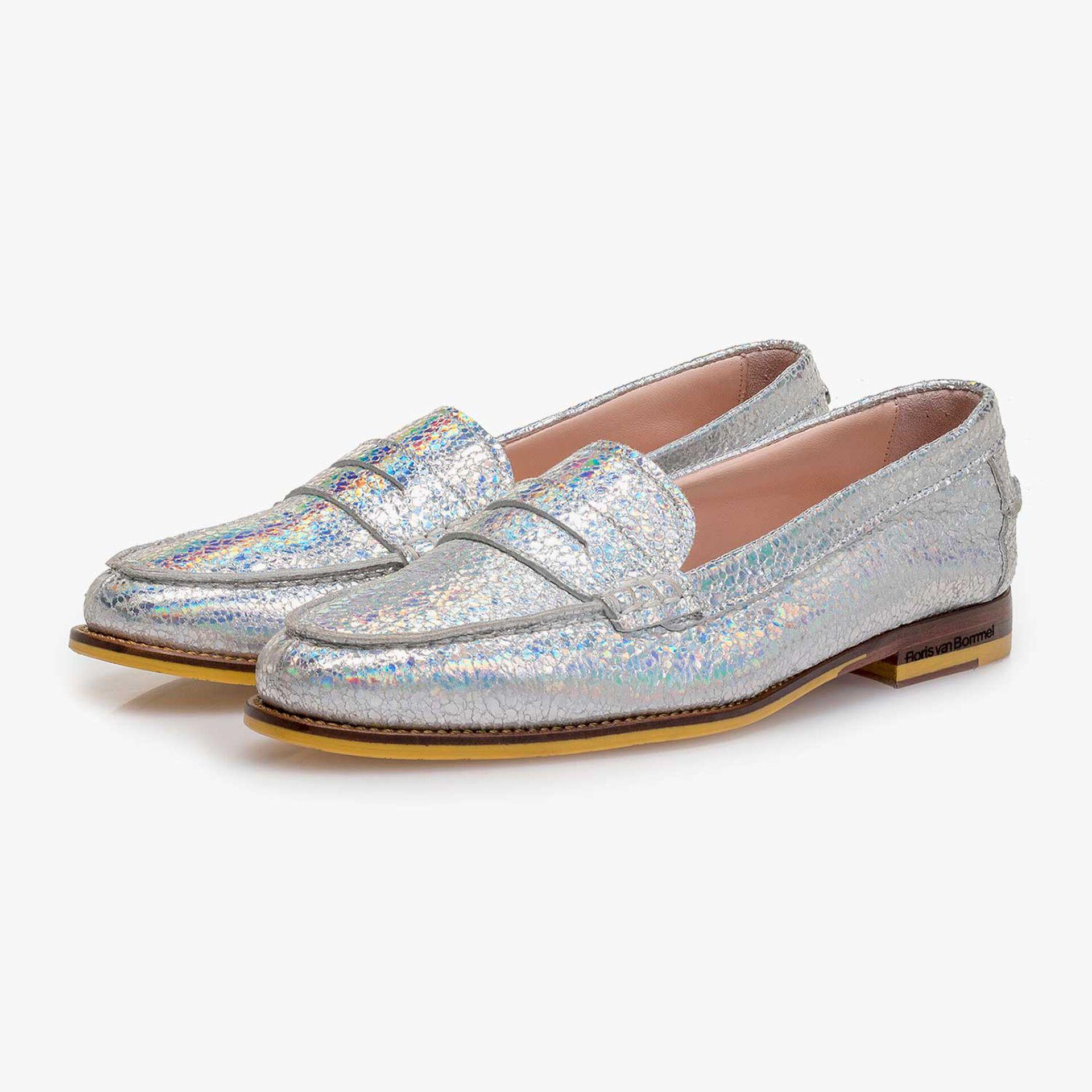 Zilveren metallic leren loafer met craquelé effect