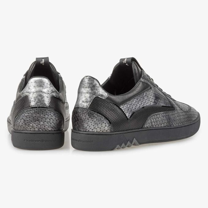 Grey leather sneaker with metallic print