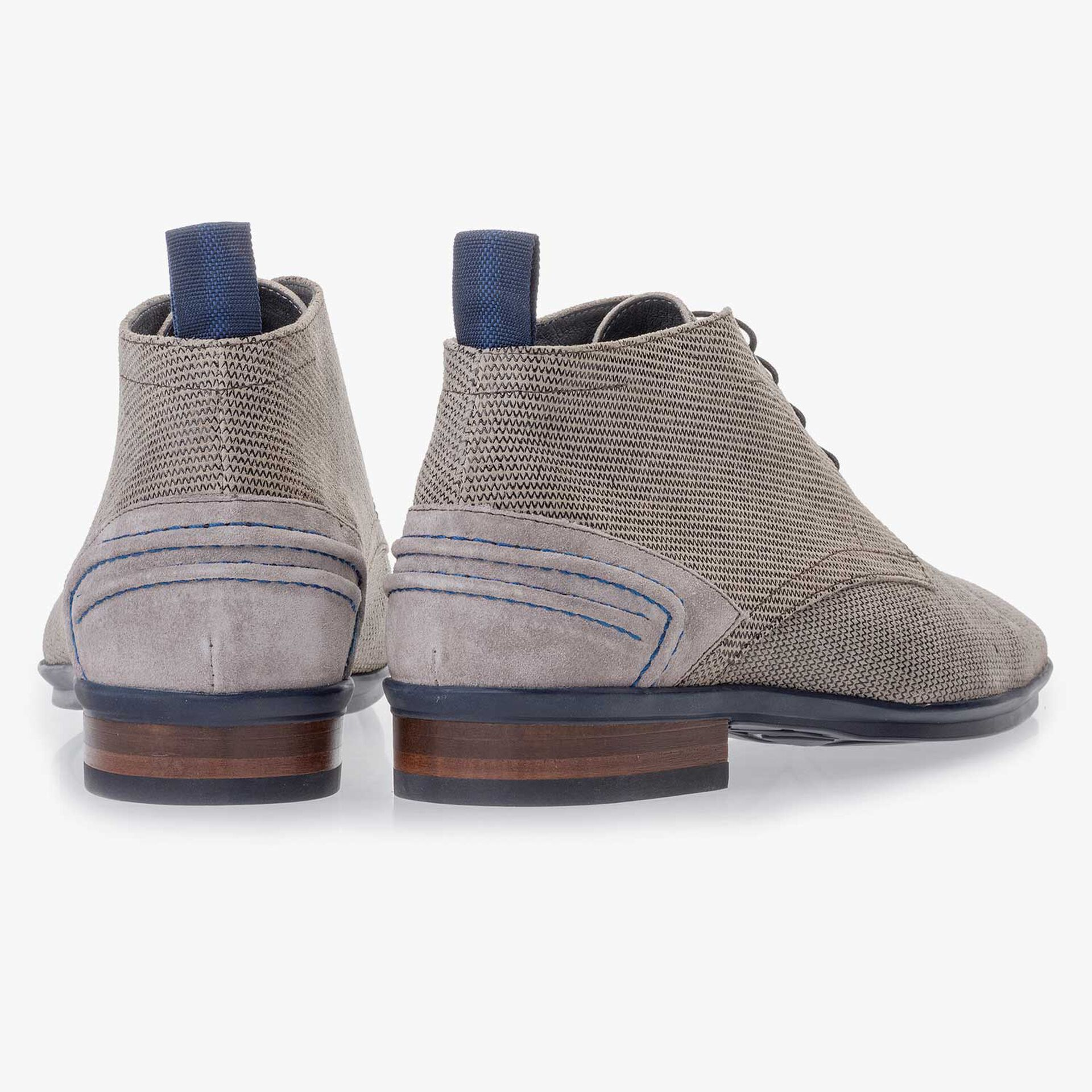 Sand-coloured suede leather lace boot