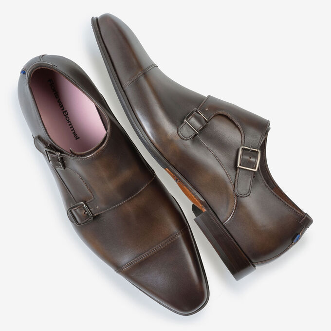 Buckle shoe dark brown calf leather