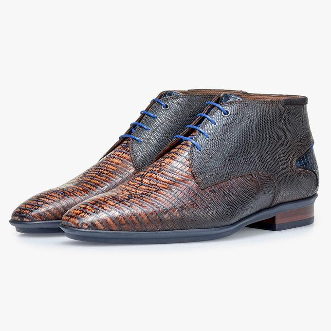 Cognac-coloured calf leather lace shoe with lizard print