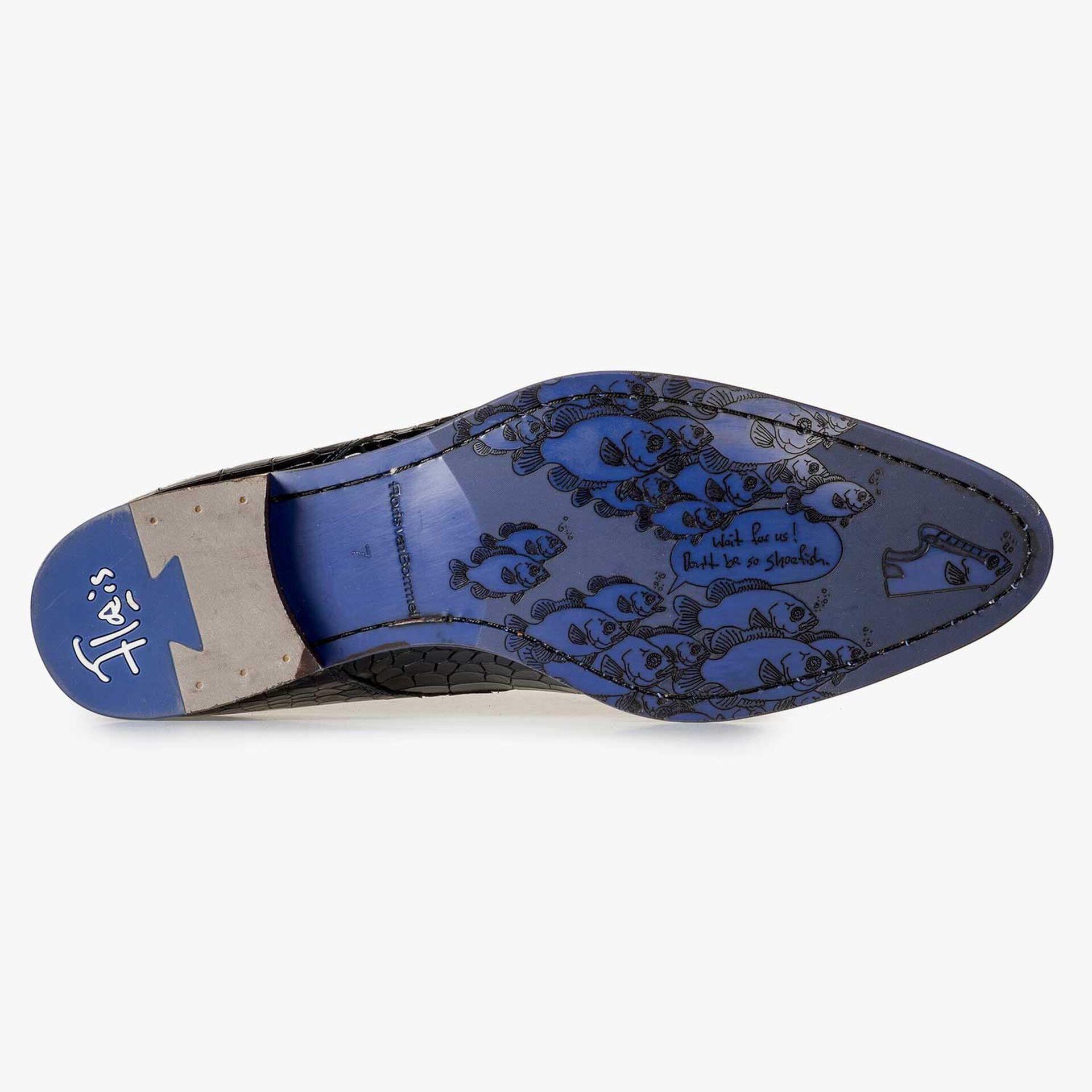 Blauwe kalfsleren veterschoen met crocoprint