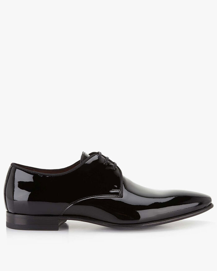 Lace shoe patent leather black
