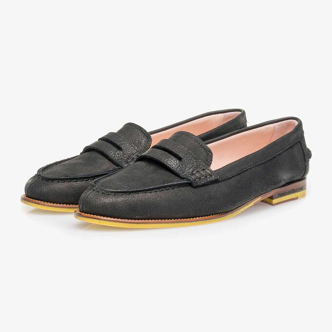 Zwarte nubuckleren loafer met structuur