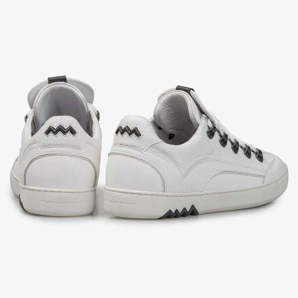 Witte leren sneaker