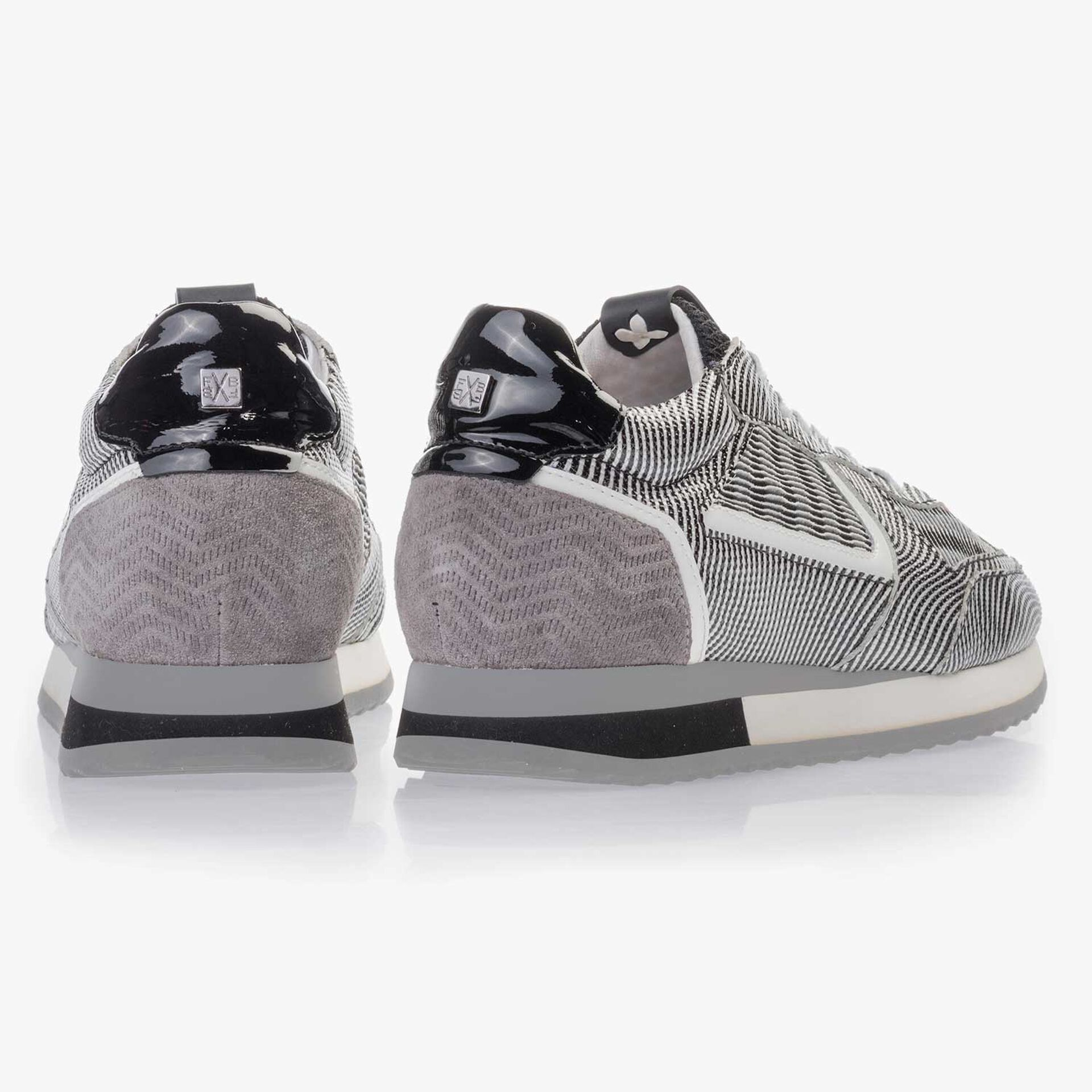 Black/white patent leather sneaker