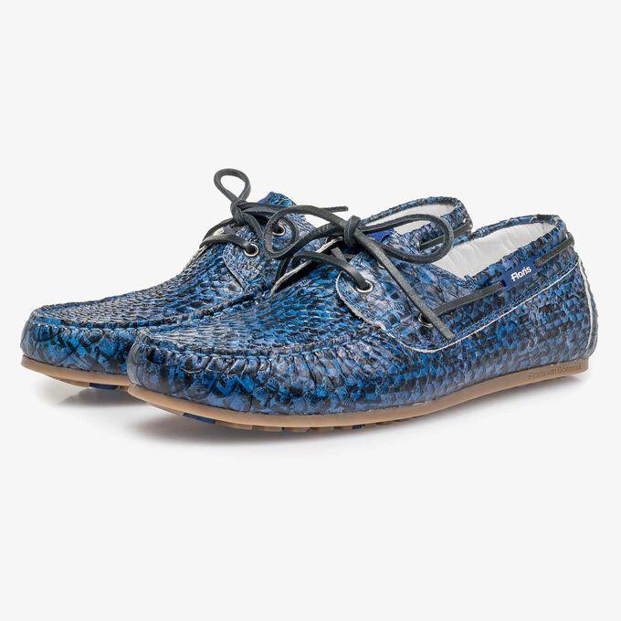 Blauwe kalfsleren bootschoen met snakeprint