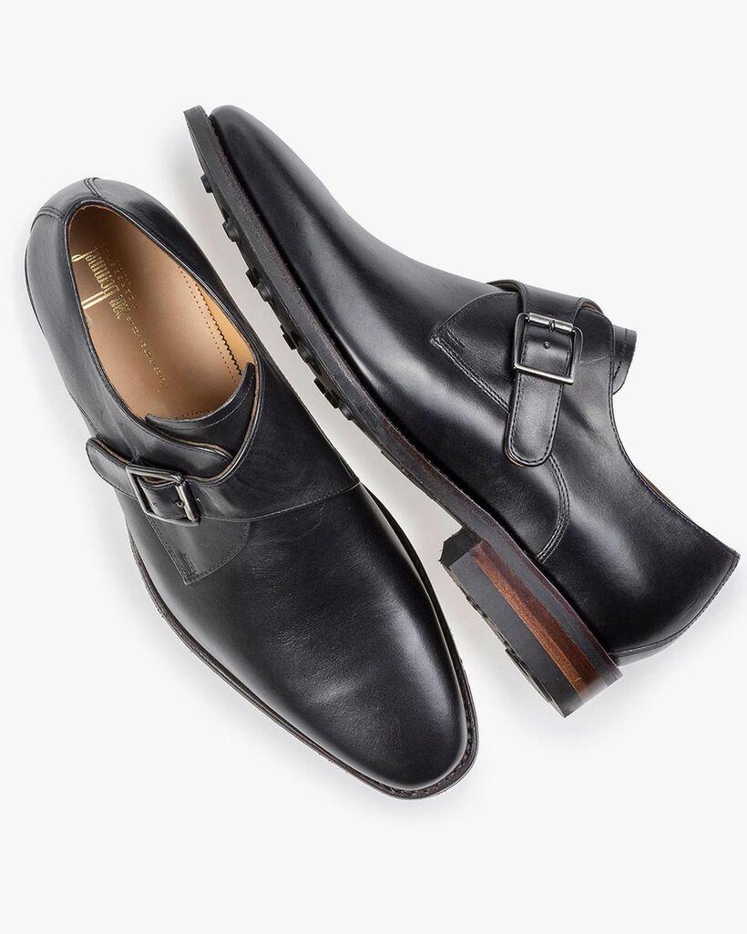 Black monk strap