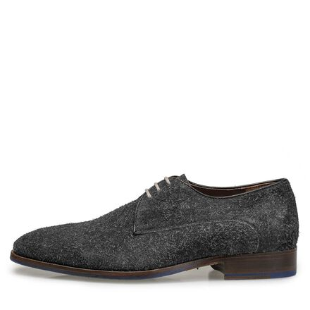 Lace shoe made of buffed leather