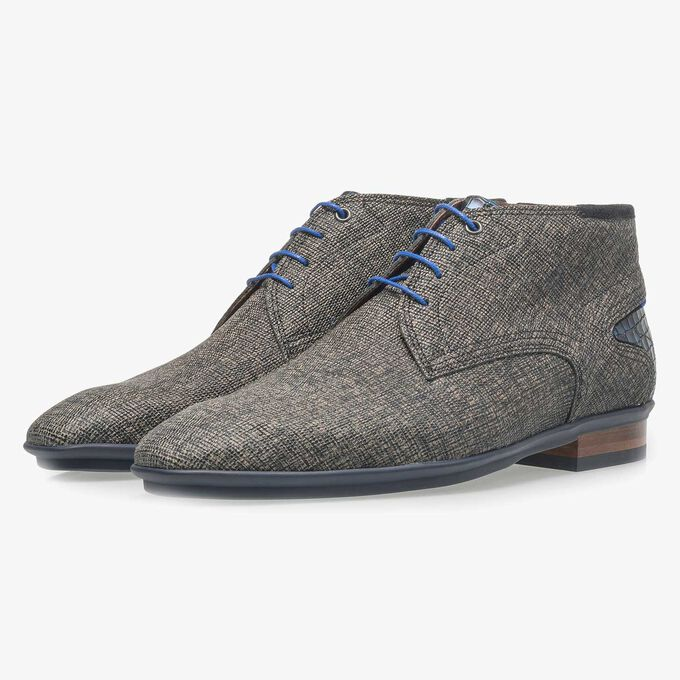 Taupe-coloured leather lace shoe with print