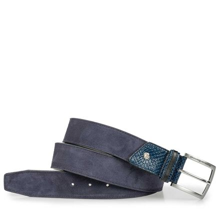 Suede leather belt with striking accents