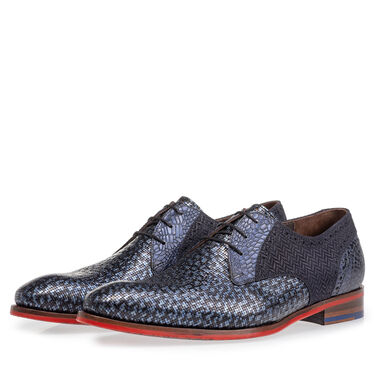 Leather lace shoe with print