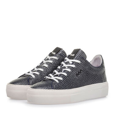 Sporty lace shoe