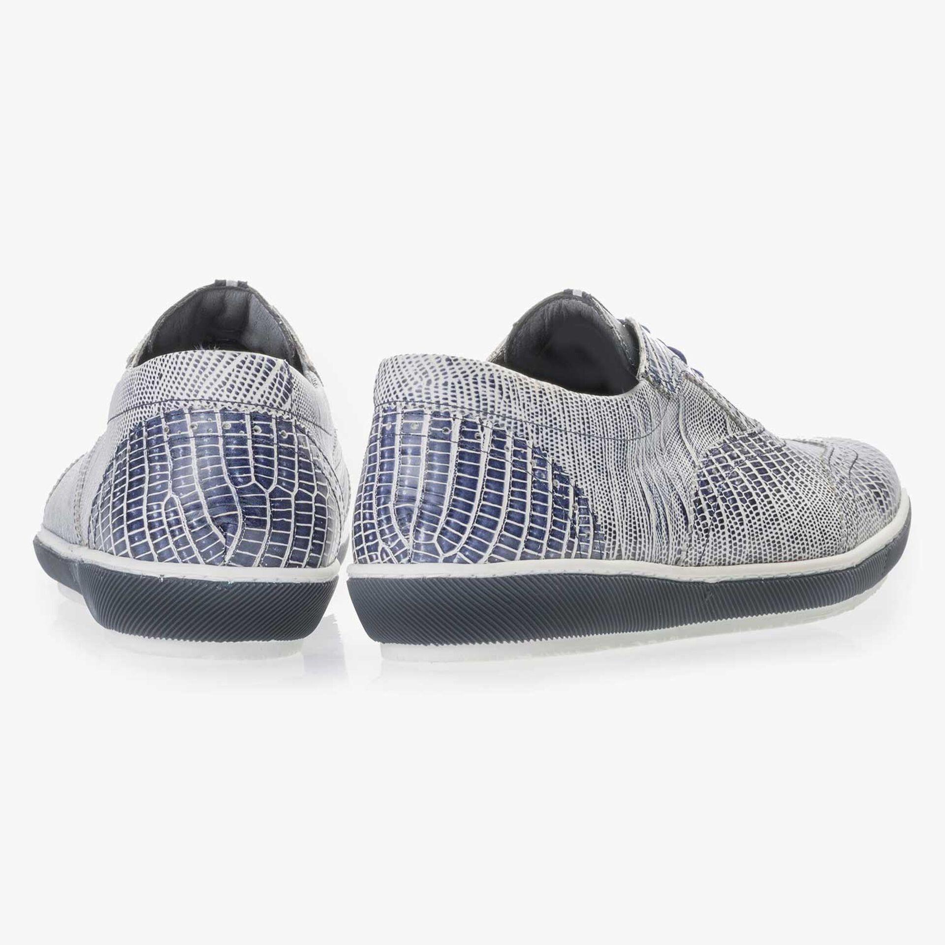 Blauwe leren sneaker met lizardprint