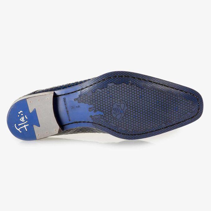 Blue croco print calf leather lace shoe