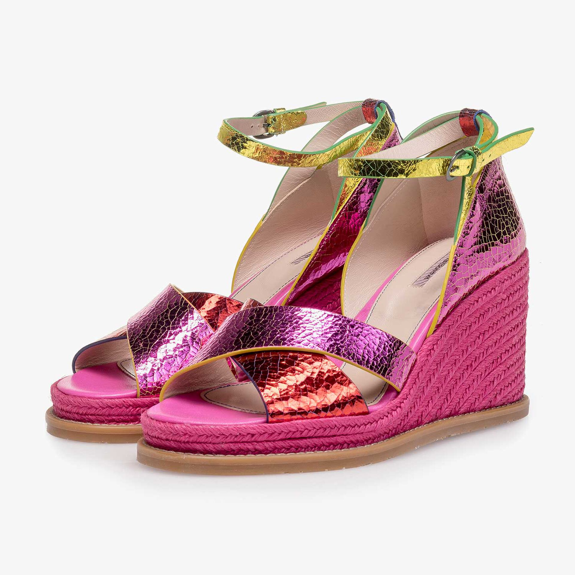 Roze metallic leren sandaal met craquelé effect