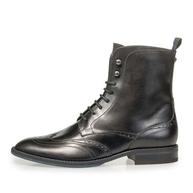Kalfsleren veterboot met brogueperforaties