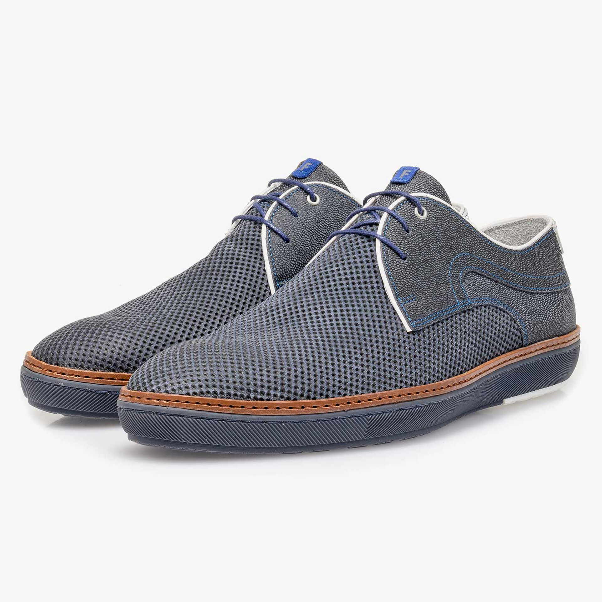 Blue suede leather lace shoe with a mini print