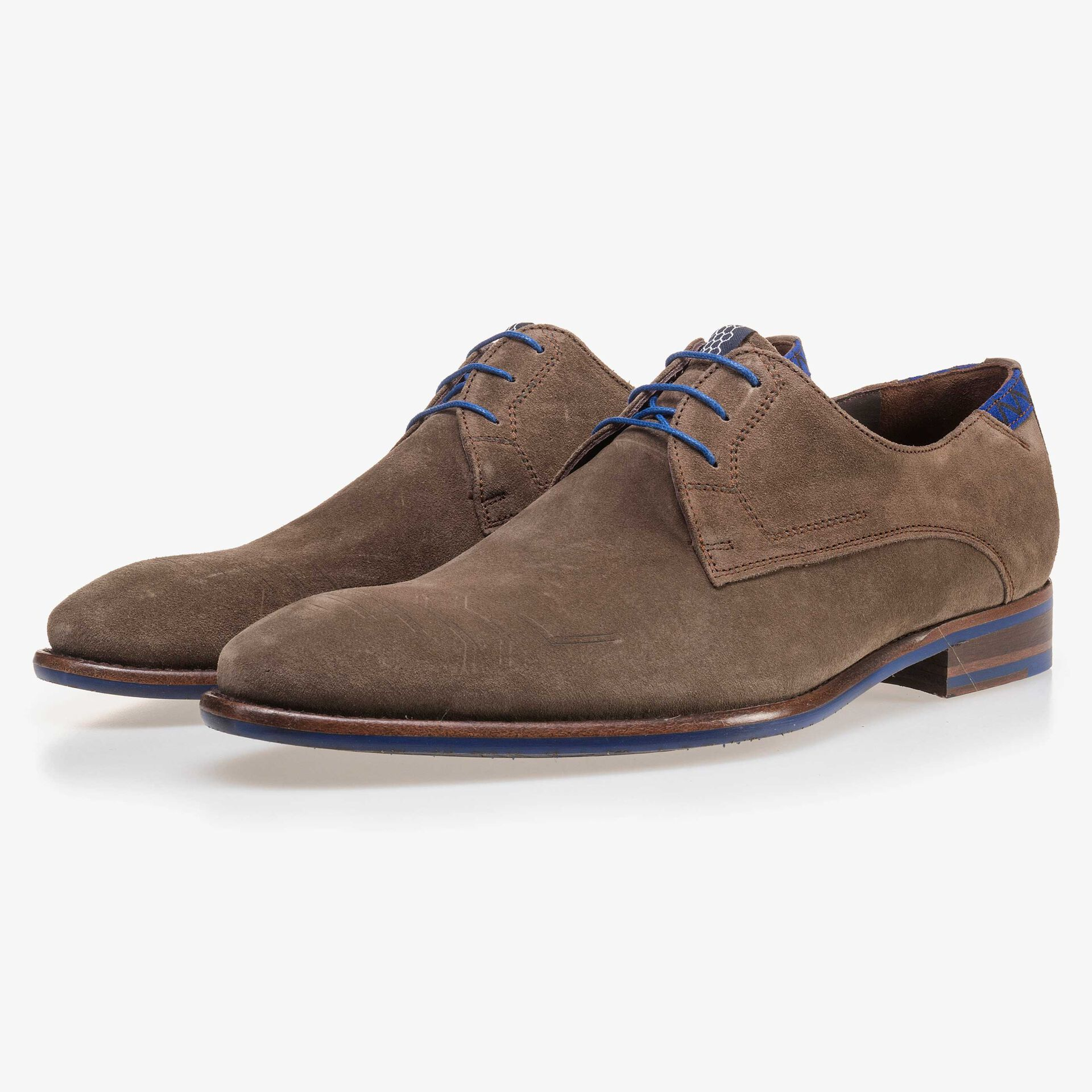 Suede leather lace shoe dark taupe