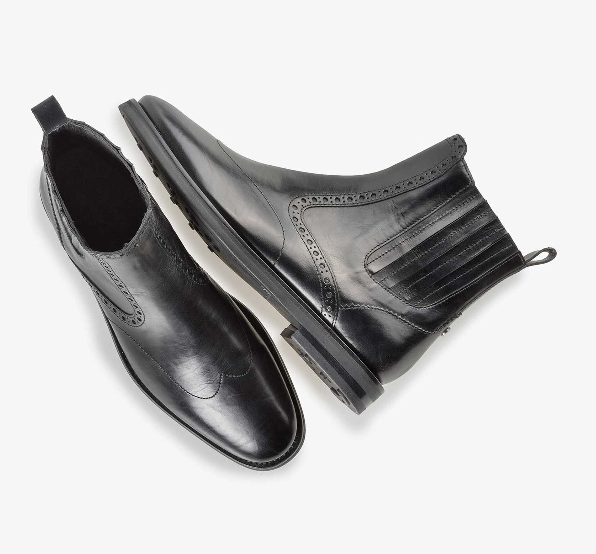 Black calf leather Chelsea boot with brogue details