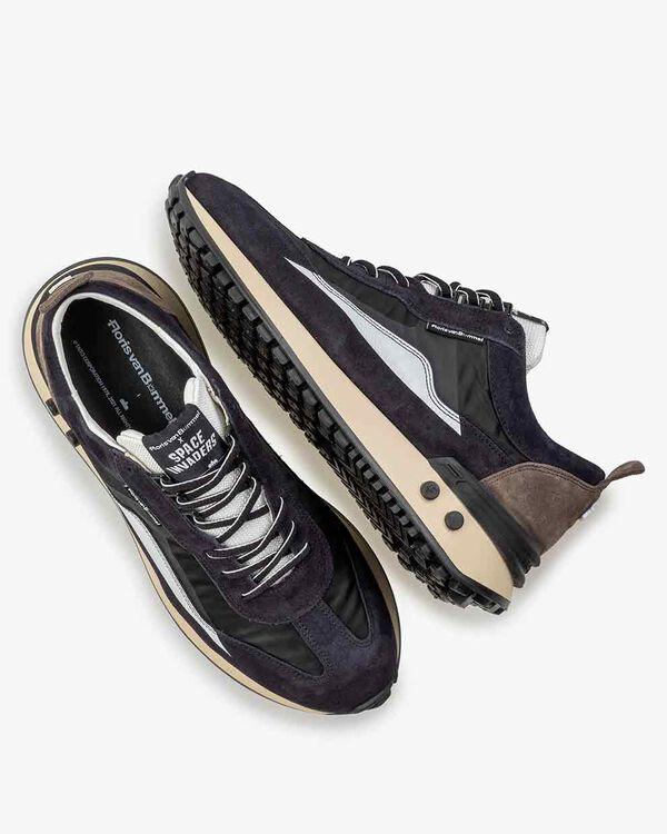 Sneaker space invaders black