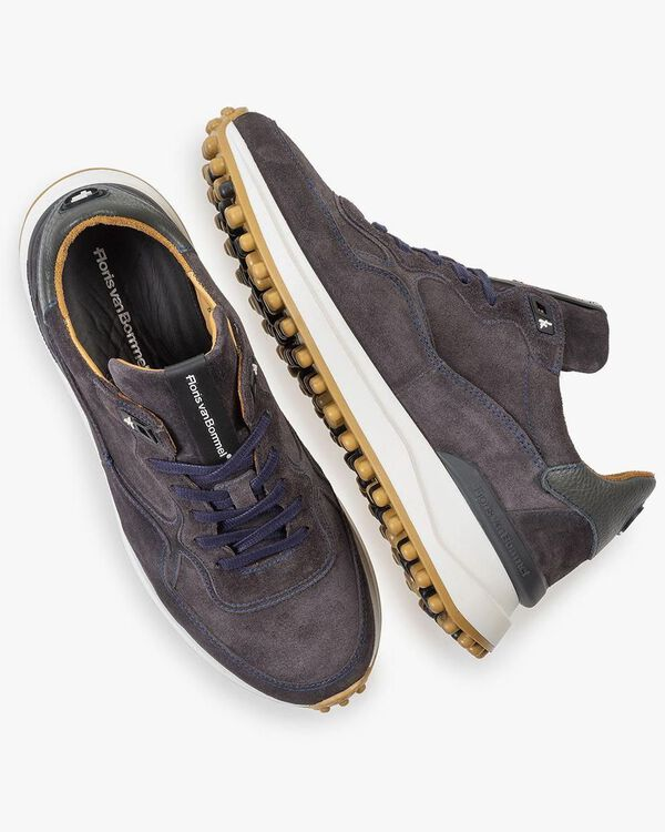 Dark grey suede leather sneaker