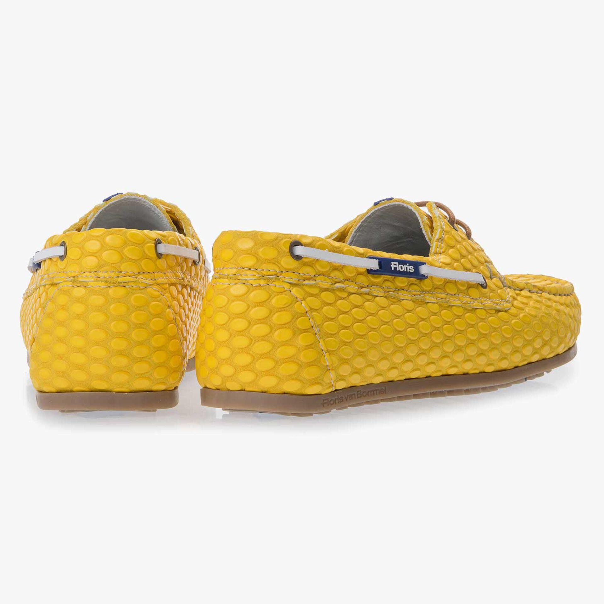 Gele bootschoen van leer met print