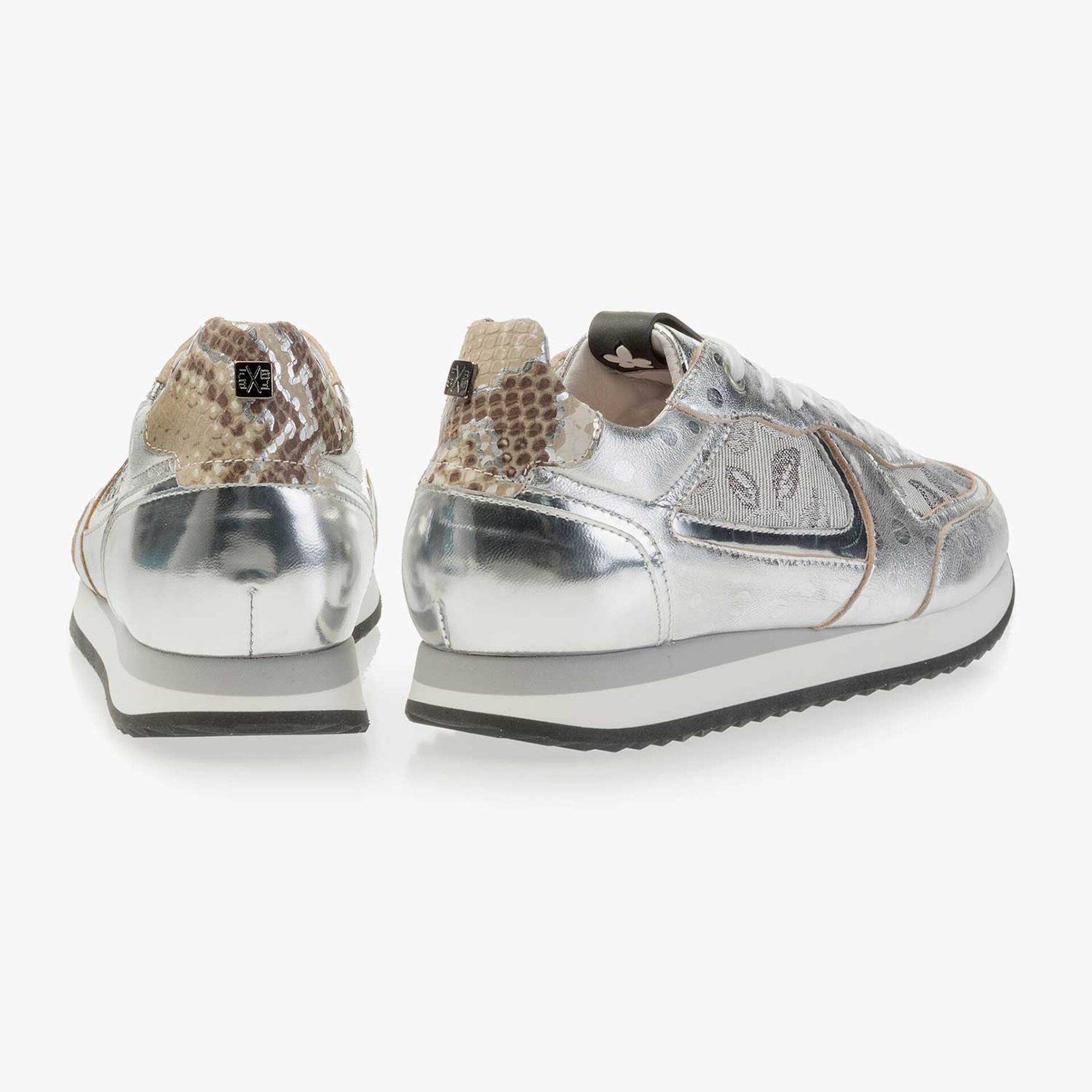 Silver-coloured leather sneaker
