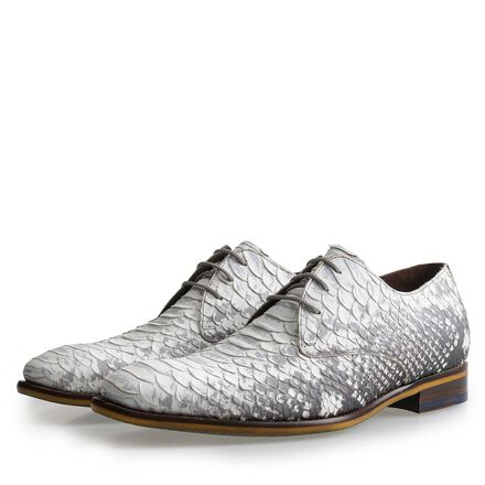Leather lace-shoe with snakeprint