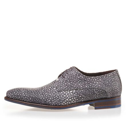 Lace shoe with rye pattern