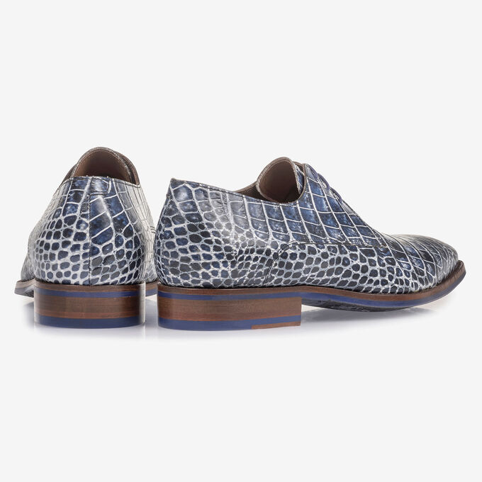 Blue lace shoe with croco print