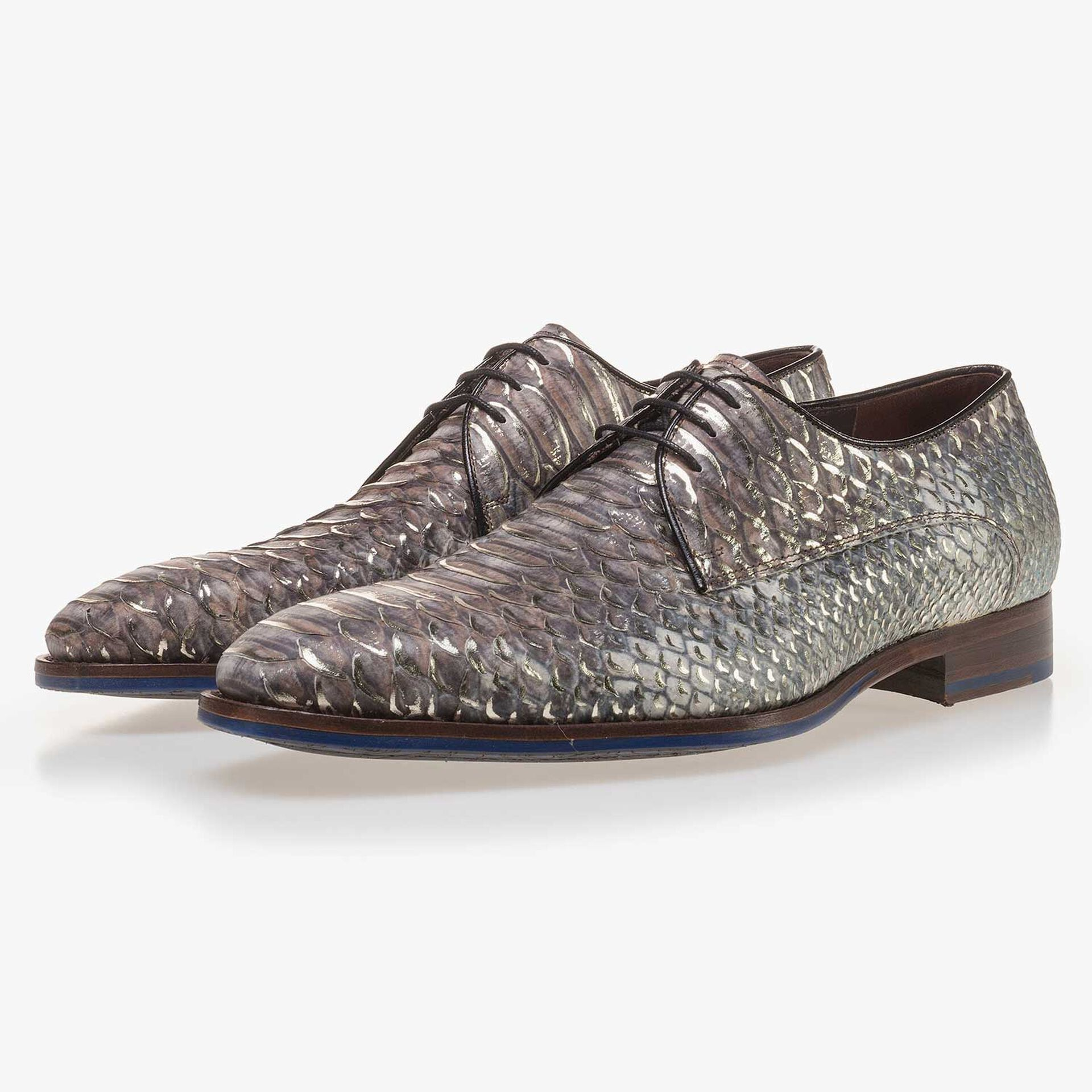 Taupe-coloured leather lace shoe finished with a snake print