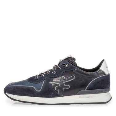 Leather sneaker with rubber sole