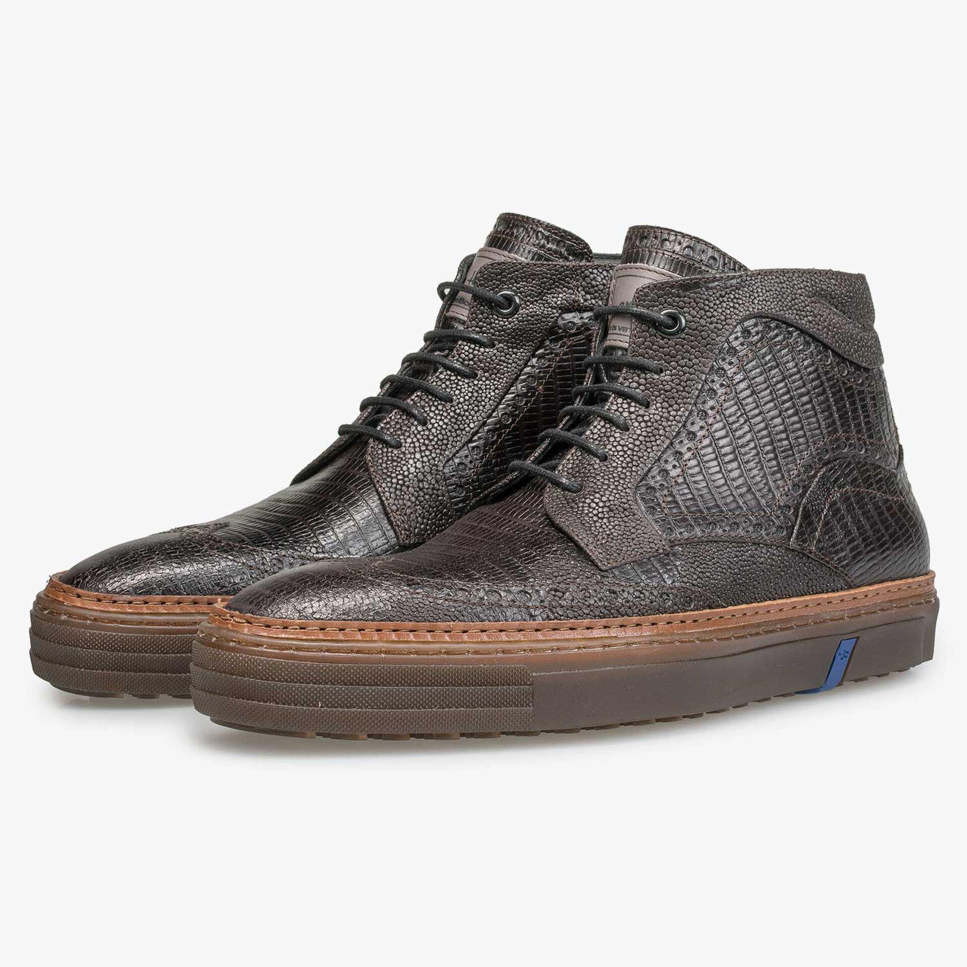 Halfhoge donkerbruine brogue sneaker