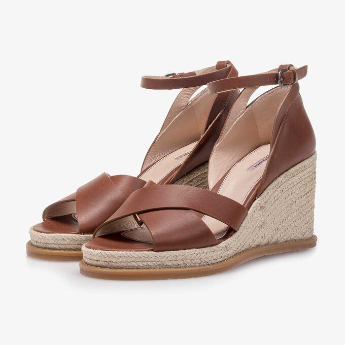 Cognac-coloured wedge-heel leather sandal