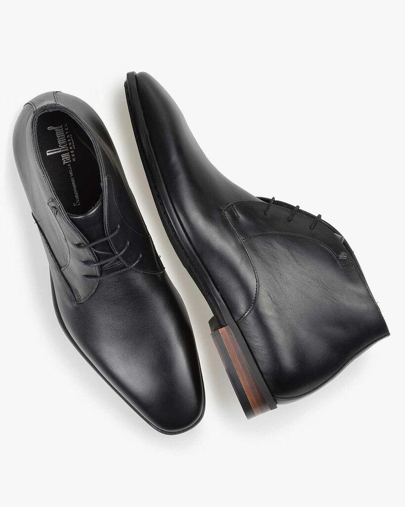 Black calf leather lace shoe
