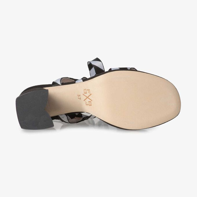 Zwarte sandaal met hak