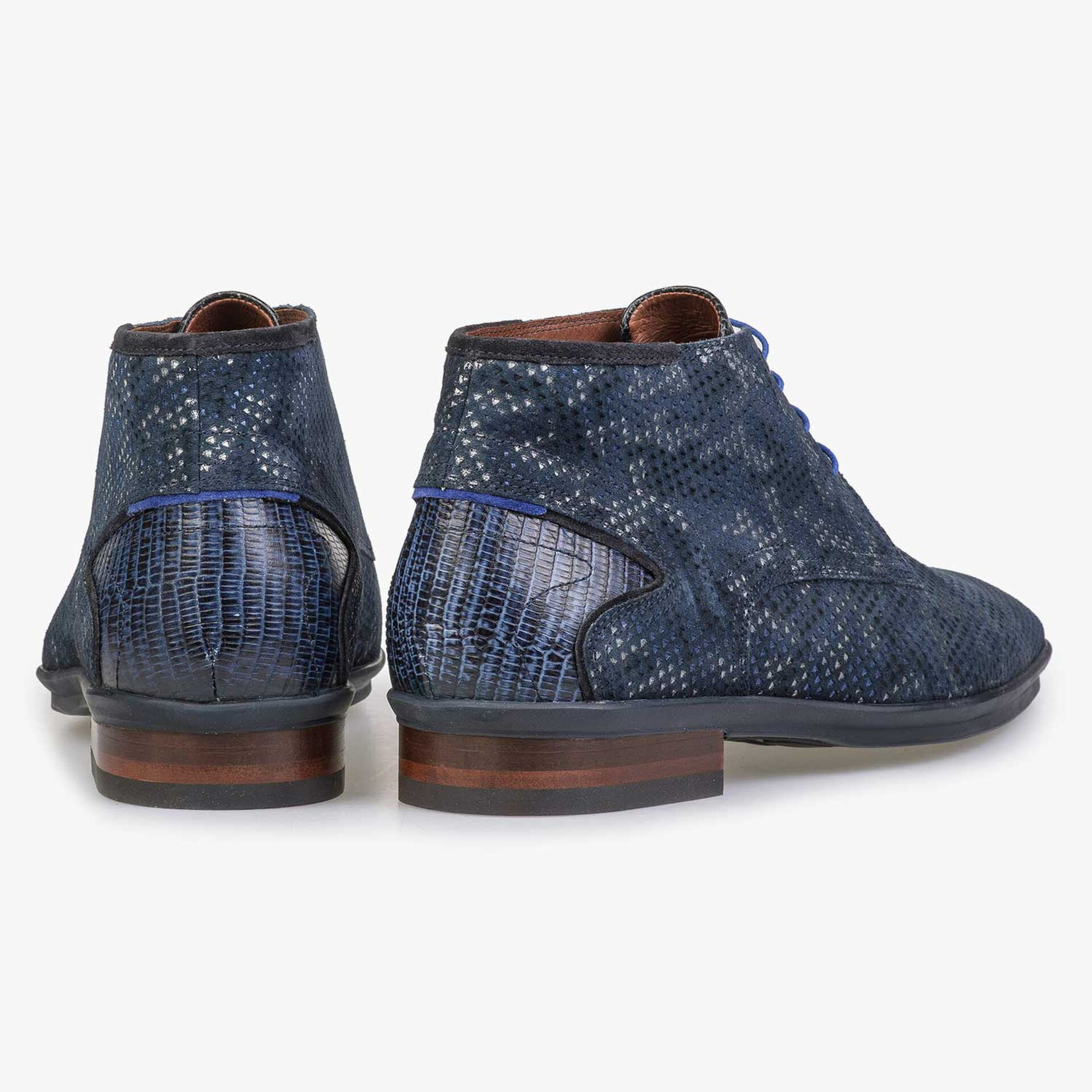 Mid-high blue patterned lace shoe