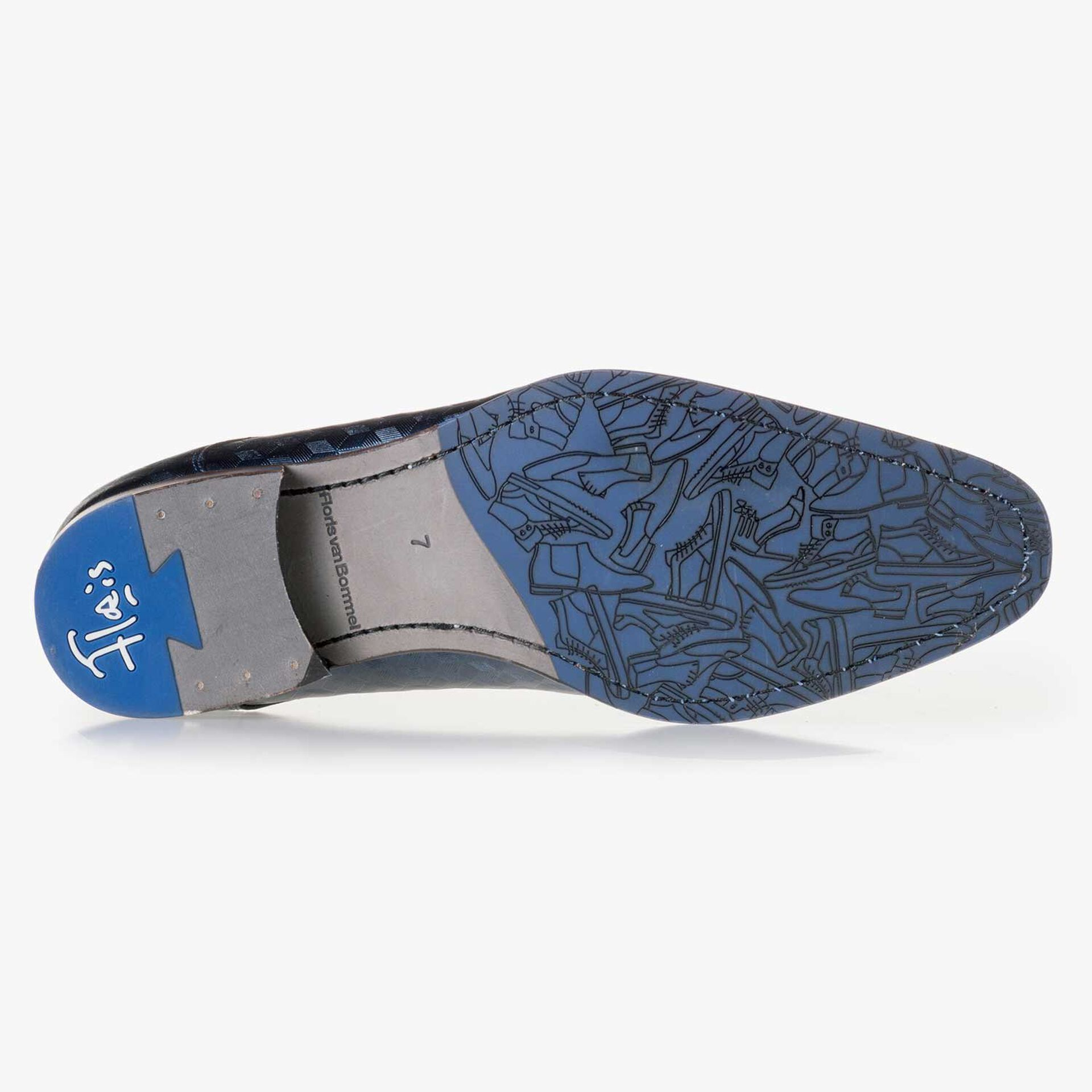 Blue leather lace shoe finished with a hexagon print