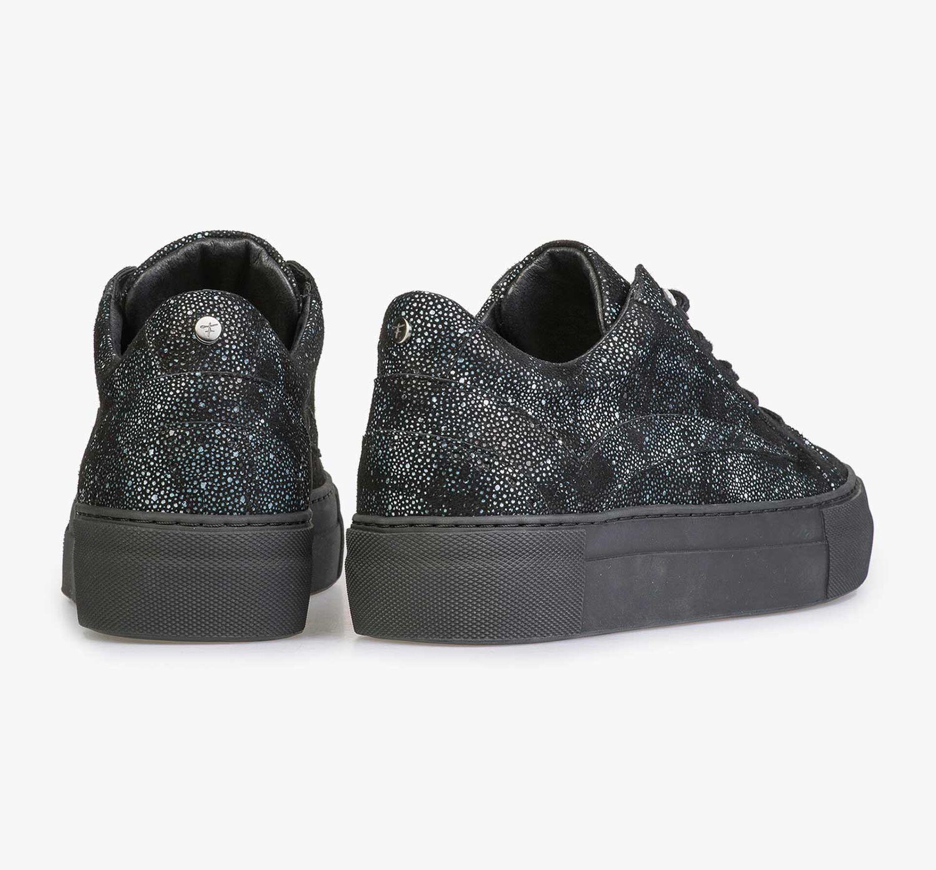 Leren sneaker met zwart/blauwe ruitenpatroon