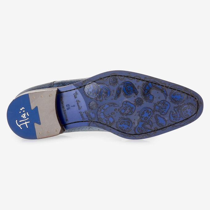 Blauwe veterschoen met snakeprint