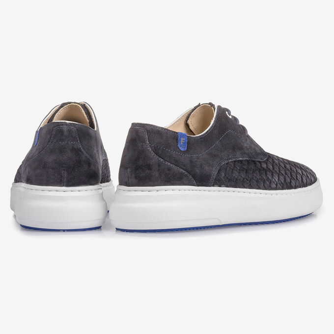 Dark blue lace shoe with braided suede leather