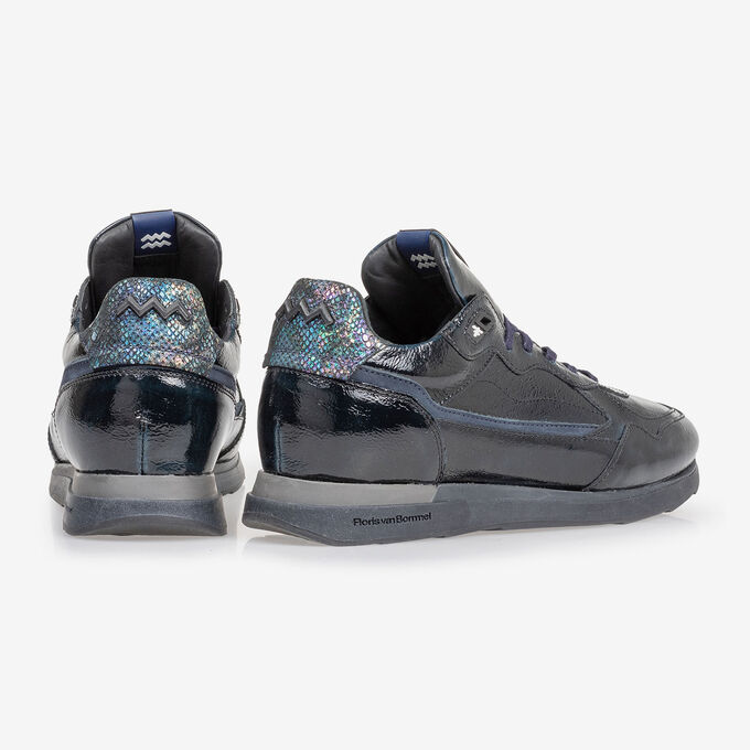 Sneaker blue patent leather