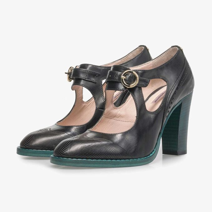 Black calf leather pumps
