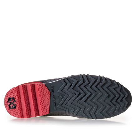Premium suede leather sneaker with velcro fastening