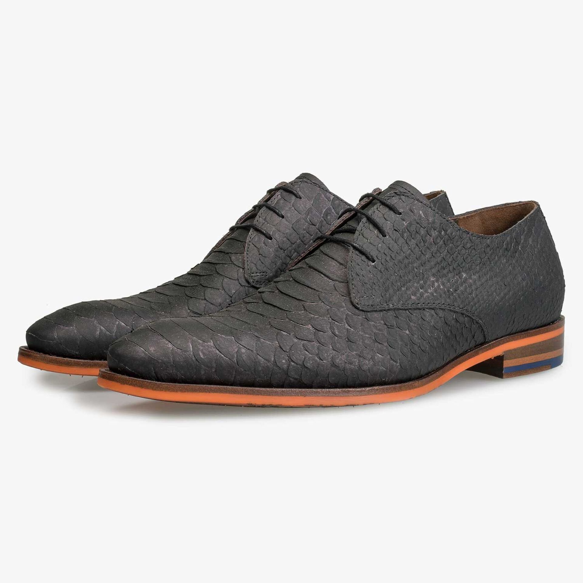 Grey calf leather lace shoe with snake print