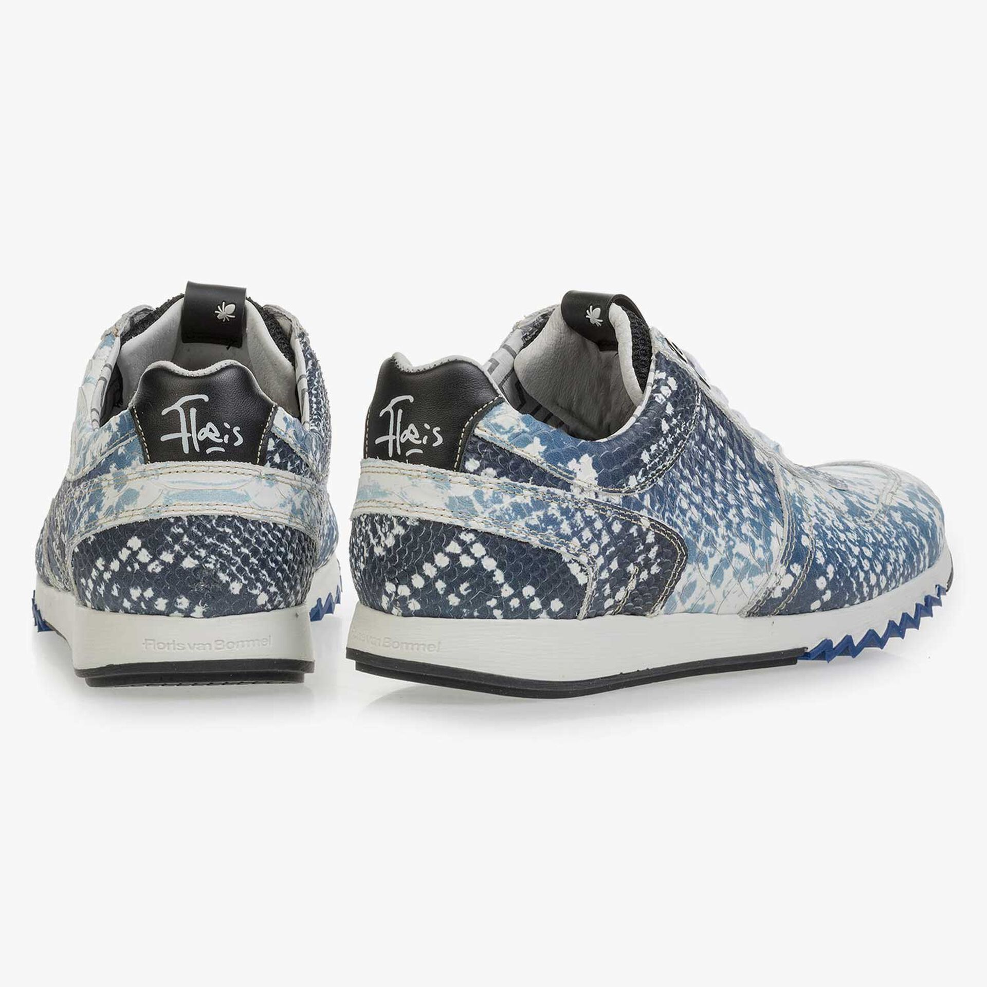 Dark blue sneaker with snake print
